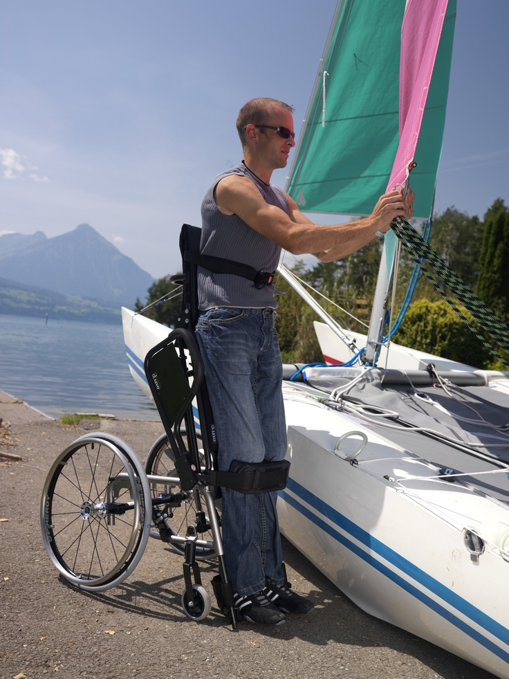 LCEV BY LEVO The manual wheelchair with electric standing function.