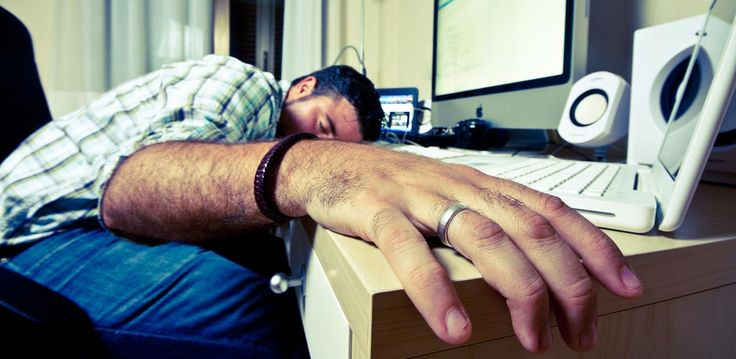 Állandóan fáradt vagy? Minden nap kimerülten ébredsz? Az állandó fáradtság- és kimerültségérzet legkézenfekvőbb oka, hogy nem alszol eleget... Gondolnánk elsőre, de van néhány olyan rossz szokás, a...