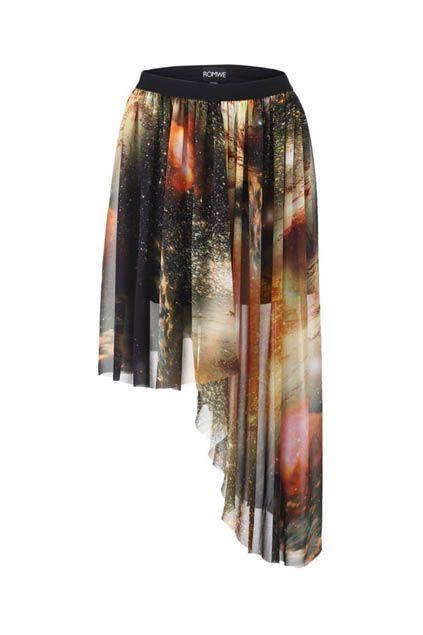 Mysterious Universe Asymmetric Skirt - http://www.romwe.com/mysterious-universe-asymmetric-skirt-p-29751.html