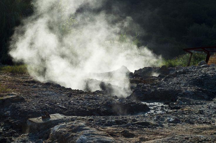 Le meraviglie della geotermia: #Larderello, il paese dei soffioni infernali #valledeldiavolo #pisa #toscana