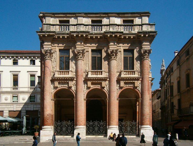 Андреа Палладио. Лоджия дель Капитаньо в Виченце. Проект 1565 г., строительство 1571 — 1572 гг.