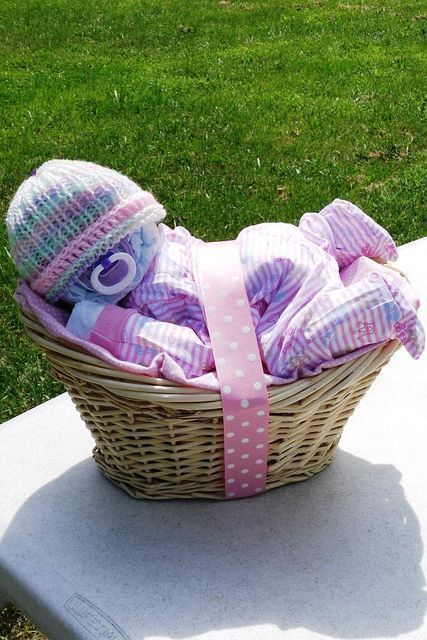Sleeping Diaper Baby Gift Basket...these are the BEST Baby Shower Ideas!