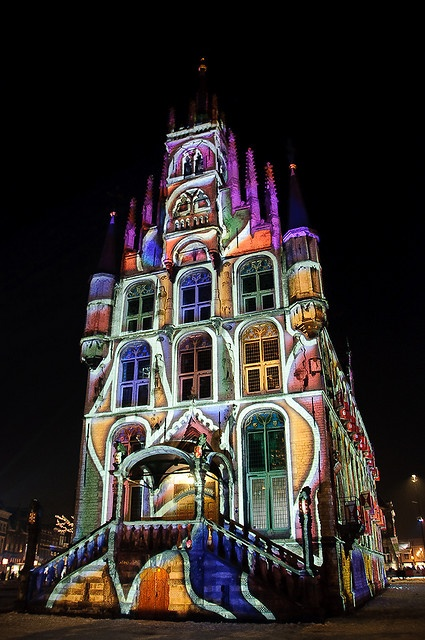 Every Christmas in Gouda, Holland they light up this church.  I saw this when I visited my aunt and it is so pretty! :)