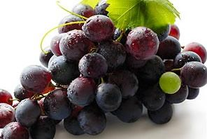 Grape seed oil is known to aid skin moisturisation. It penetrates easily into the skin and contains antioxidants known to produce anti-aging effects.  www.nubella.com.au