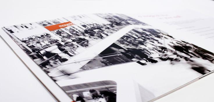 Brochure pour les boutiques Magenta (studio photo).