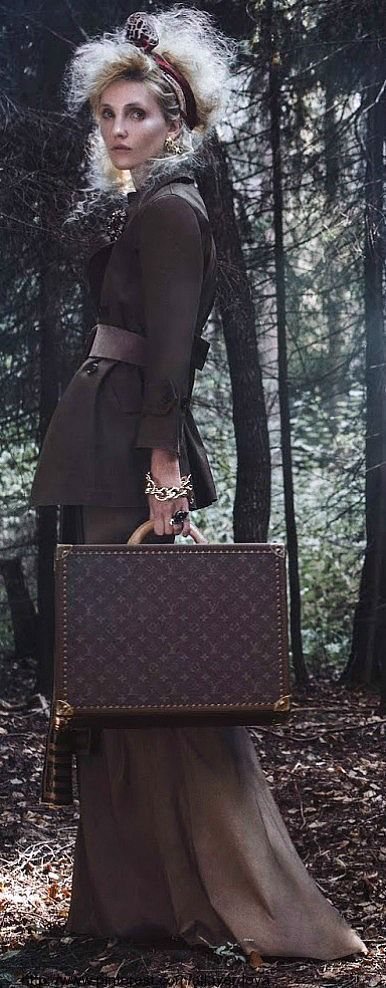 Louis Vuitton | Via LadyLuxury