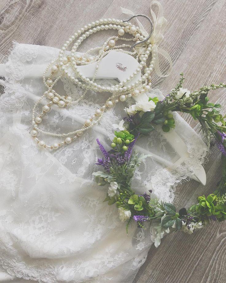 * 新しいレーストップス入荷しています*.゜ 繊細なレースで作られた、ノースリーブのトップスです♡ 今後も、素敵なトップスがたくさん入荷予定❁ * ウェディングは、いつものふたりらしさの 延長上にあってほしいな、と考えています。 何年後に見てもいいな、と思えるスタイルを ご提案していきたいので、日々勉強中·˖✩。 * #spicatic #wedding #weddingdress #二次会ドレス #ドレス #ドレス探し #結婚式準備 #ドレス迷子 #プレ花嫁 #卒花 #2017wedding #2017春婚 #2017夏婚 #2017秋婚 #カジュアルドレス #フォトウェディング #前撮り #ウェディングアクセサリー #レンタルドレス #二次会ドレスレンタル #後撮り #ハナコレ #深谷 #埼玉 #群馬 #埼玉花嫁 #群馬花嫁 #ウェディングフォト #日本中のプレ花嫁さんと繋がりたい #全国のプレ花嫁さんと繋がりたい http://gelinshop.com/ipost/1521478866090524486/?code=BUdYPeylv9G
