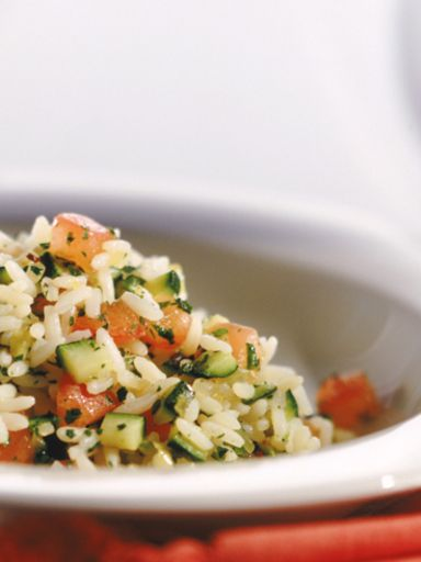 Insalata di riso vegetariana, ricetta Insalata di riso vegetariana - alfemminile.com