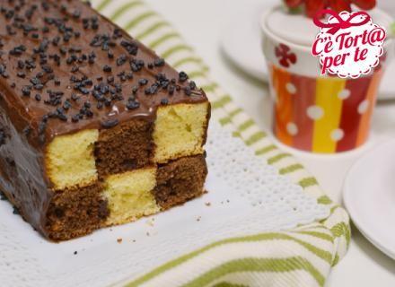 Ecco una golosa #ricetta a tutto #cioccolato: #plumcake a scacchi!  Gustosa e particolare è il dolce ideale che mette d'accordo grandi e piccini.   Scopri la ricetta...