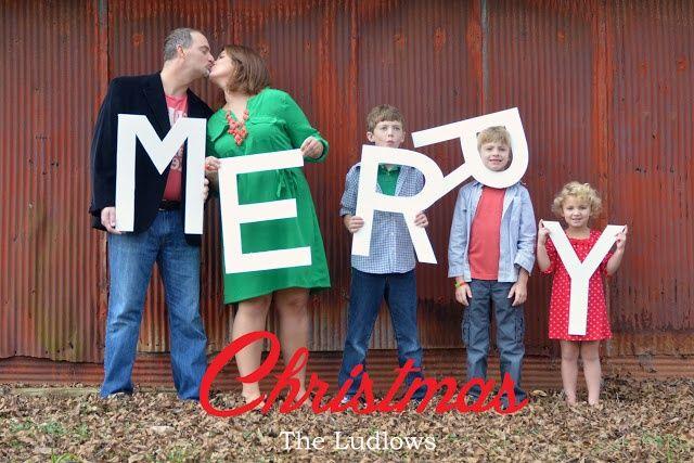 alovestudio.com photo christmas card idea with props