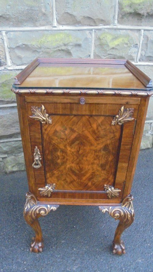 ~ Quality Figured Walnut Bedside Table. I have the matching dressing table also available, ~ antiques-atlas.com
