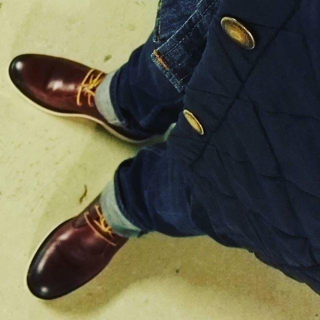 2017/11/22 13:51:37 fabgeo @mango Boots #work#boots#timberland#denim#bag#leather#redwing#mode#fashion#tlmber#city#paris#haveagoodday#working#instagood #instapics#pov#barbour#mangi