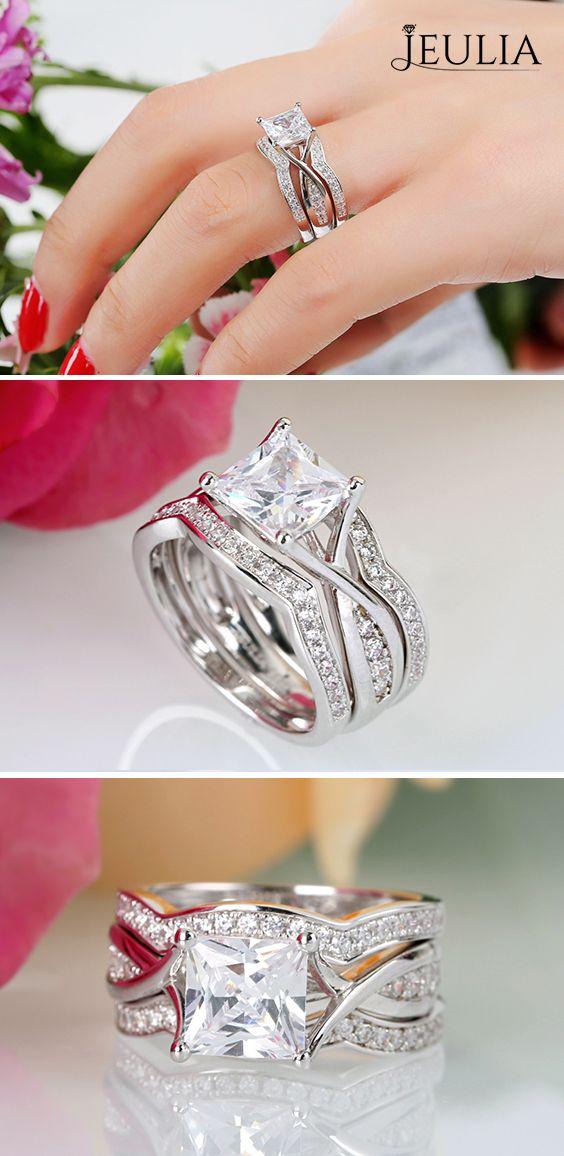 Wedding Must-Haves: Stunning Wedding Ring Set. Do you like the princess cut ring? #JeuliaJewelry