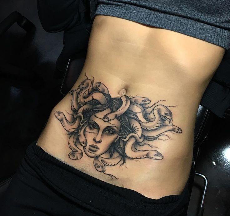 Tatuagem de Medusa - Significado e 63 fotos para inspirar | Tatuagem de medusa, Tatuagem, Tatuagem barriga