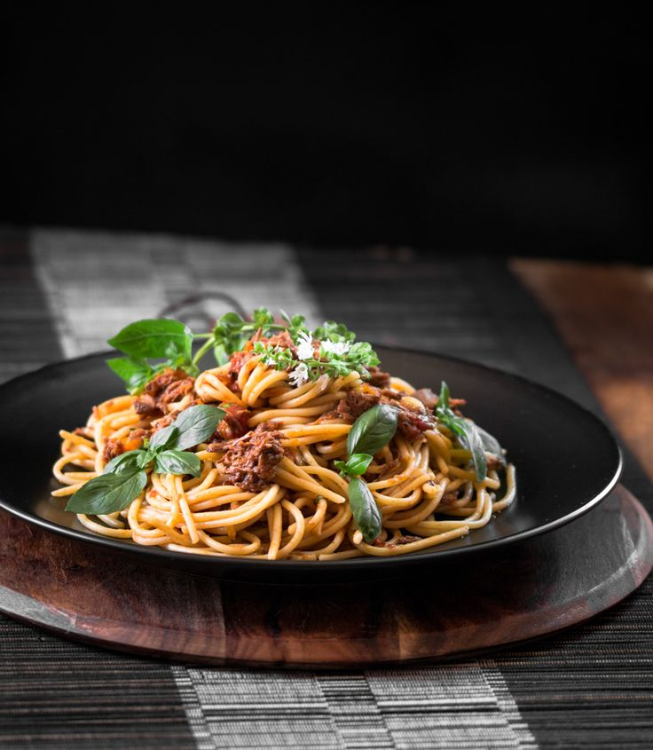 Slow cooked, tasty, melt in your mouth shredded beef bolognese. A classic dish taken to the next level!