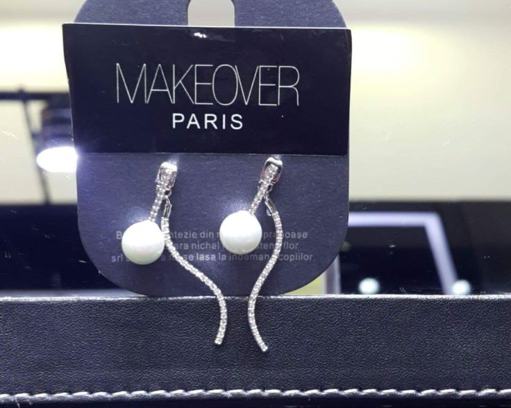 Simple pearl earrings.Makeover Paris, produse, cosmetice, bijuterii. #jewelry #jewels #fashion #gems #accessories #beautiful #stylish
