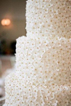 Tiny flowers - gorgeous cake!