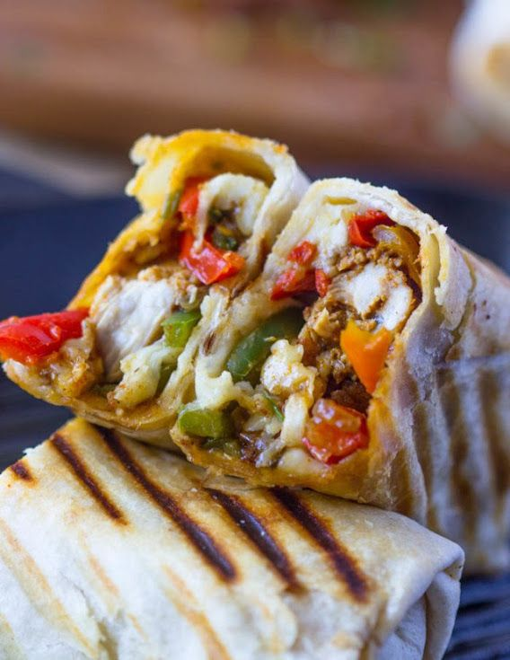 Crispy Fajita Chicken Wraps With Chicken Flour Tortillas Sour Cream Shredded Mozzarella Cheese Oil Cilantr Wraps Recipes Easy Wrap Recipes Chicken Fajitas