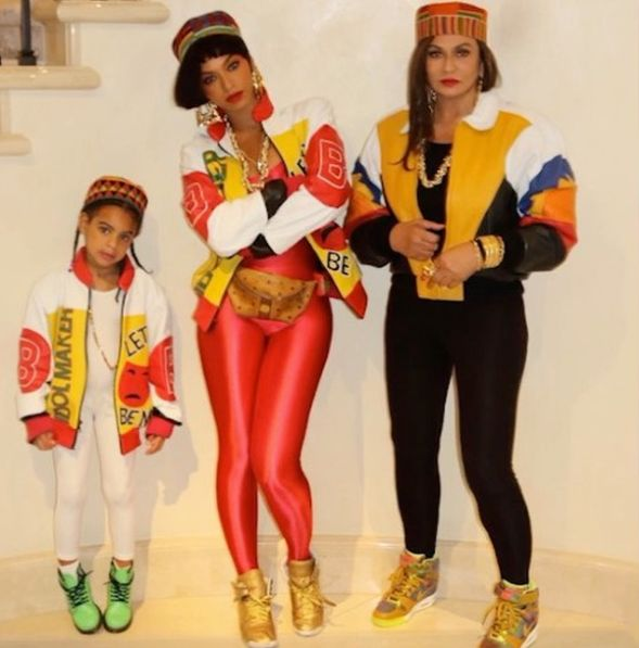 Beyoncé dressed as a memeber of Salt-N-Pepa at Angie Beyincé's theme  birthday party in Los Angeles. - Best 25+ 90s Themed Outfits Ideas On Pinterest 90s Party Outfit