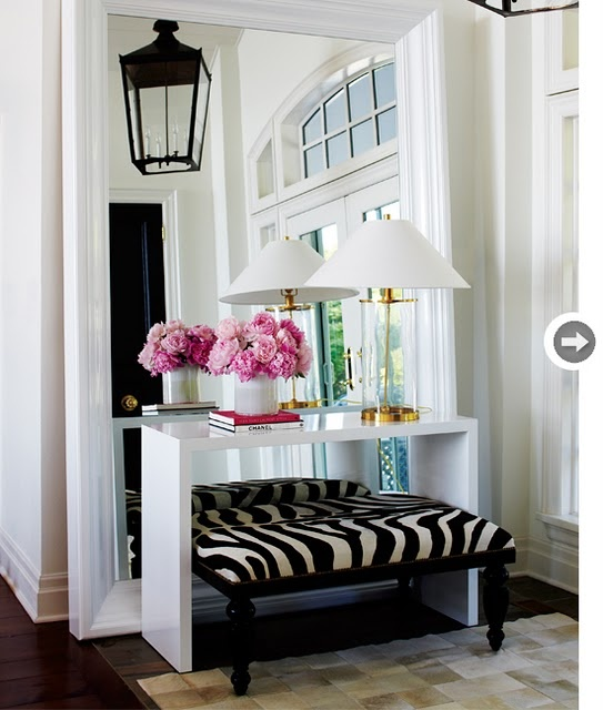 love zebra and whiteDecor, Ideas, Consoles Tables, Big Mirrors, Zebras Prints, Animal Prints, Floors Mirrors, Homes, Entryway