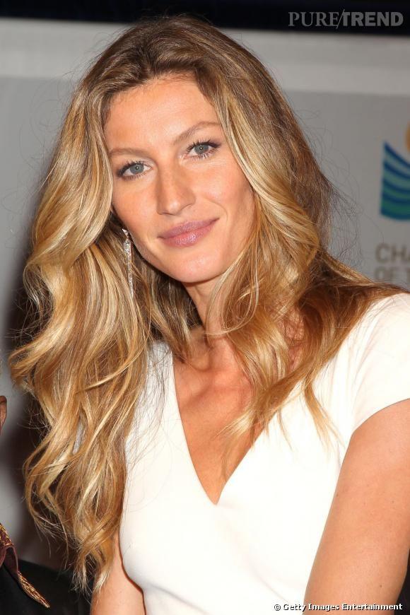 le top coiffure gisle bundchen cest une chevelure wavy dun - Coloration Blonde Sans Dcoloration