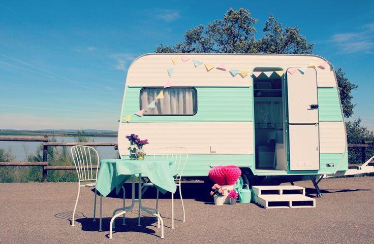 Caravana vintage para bodas y eventos.