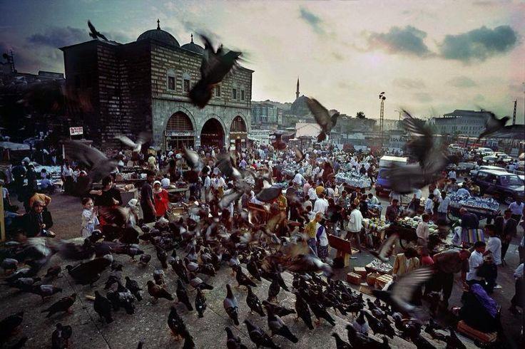 Eminonu, 1972 (Ara Güler) #istanbul #istanlook