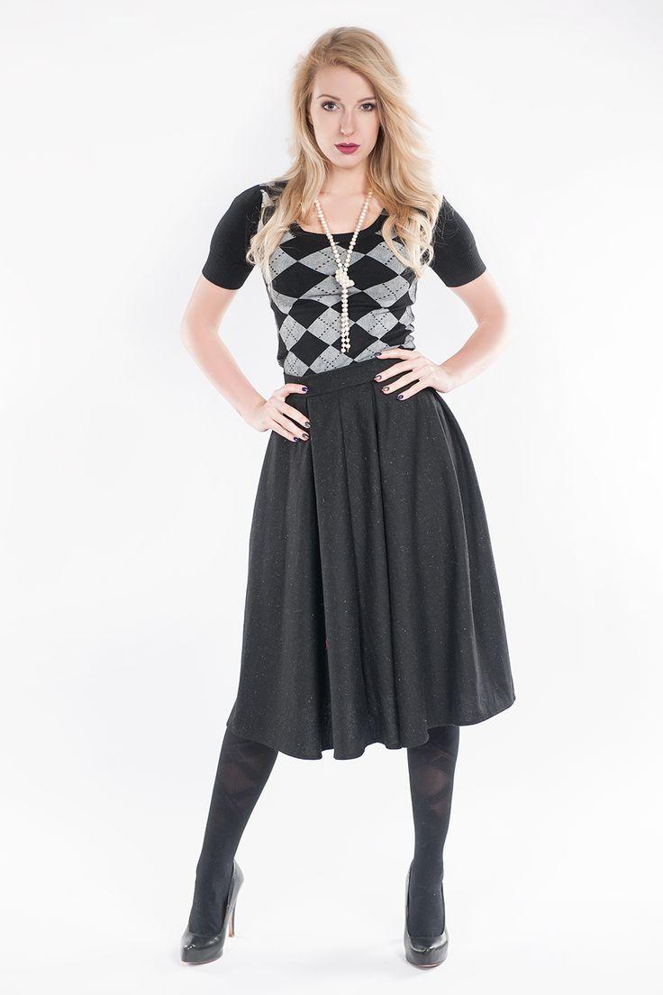 Rozkloszowana spódnica - czarna www.fajne-sukienki.pl