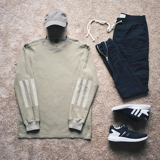 WEBSTA @ ldn2hk - New zip cargo @fog pants are money. #outfitgrid @outfitgrid @dennistodisco // Cap: #pablomerch // Top: #adidas #adidasdayone // Pants: #fearofgod x #fog x #pacsun // Sneakers: #adidasy3 #y3 #y3boost