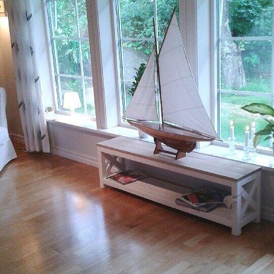 #newenglandmoblerse #newenglandmöbler #avlastningsbord #segelbåt #sailboat #vardagsrum #sommar #västkusten #göteborg #sjöbod #sjöliv #newenglandstil #matbord #soffbord #måttbeställa #rustik #rustikt #stockholm #inredningsdetaljer #inredningsdesign #inredningsinspiration #inreda #inredningsinspo @alewiliving by alewiliving