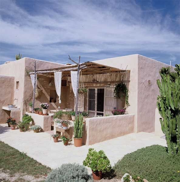 Mediterranean Living | Casa Formentera barefootstyling.com