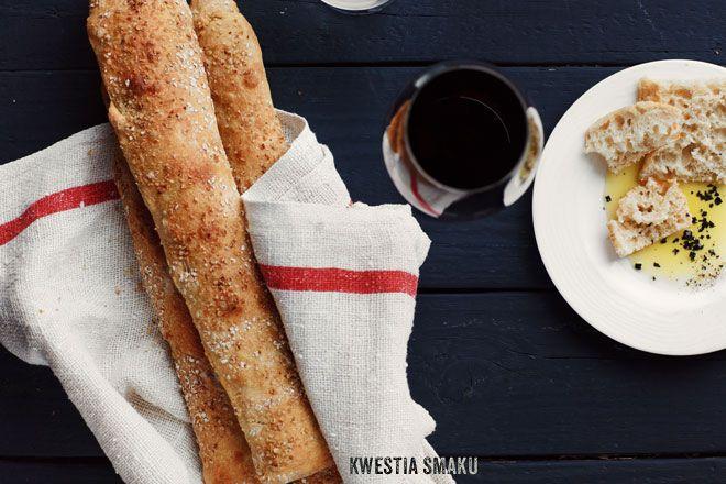 Bagietki - bez wyrabiania ciasta, z grubą, chrupiącą skórką i wilgotnym miąższem