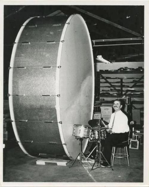 giant kick drumKicks Drums, Music Instruments, Drums Mixed, Bass Drums, Big Drums, Drummers, Big Bass, Drums Stuff, Drums Kits