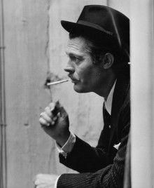 タバコを吸うシーンも素敵です!マルチェロ・マストロヤンニ