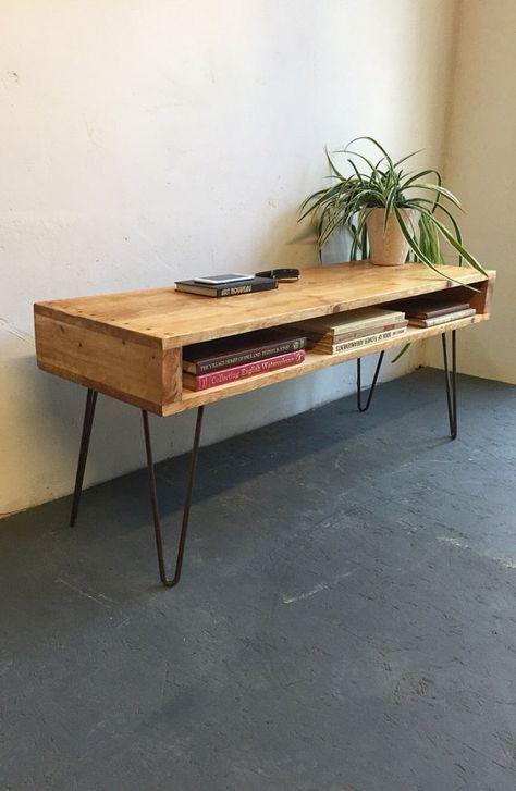 Dieses herrliche Stück ist aus rustikalem Holz, f…