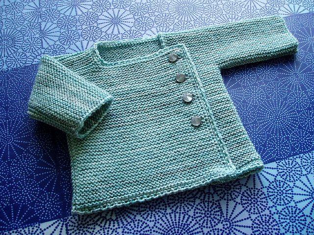 Pattern source: Erika Knight / Simple Knits for cherished Babies (modified) Yarn: Curious Yarns sock yarn, Ocean Needles: 3 mm Crochet hook: 2,5 mm