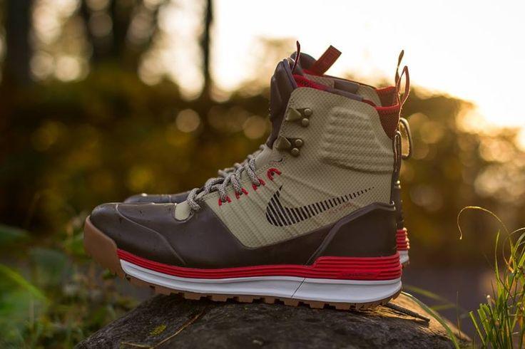 Nike Lunar Terra Arktos – Bamboo – Newsprint – Team Red