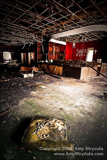 1000 images about abandoned hotels on pinterest for Pennsylvania hotel new york haunted