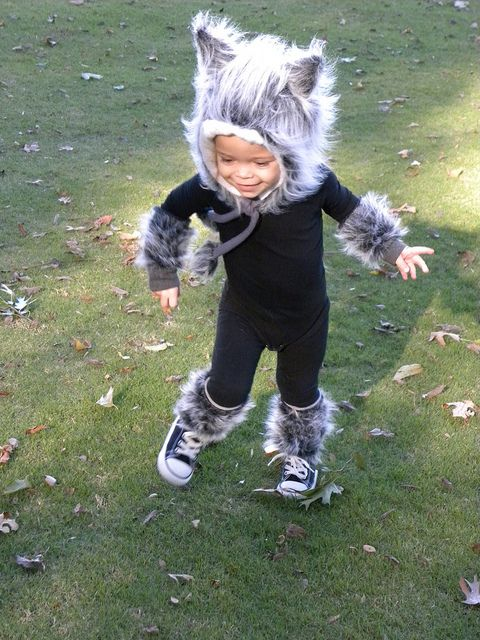 Baby Wolf Costume - idea to sew fur around nightgown for costume
