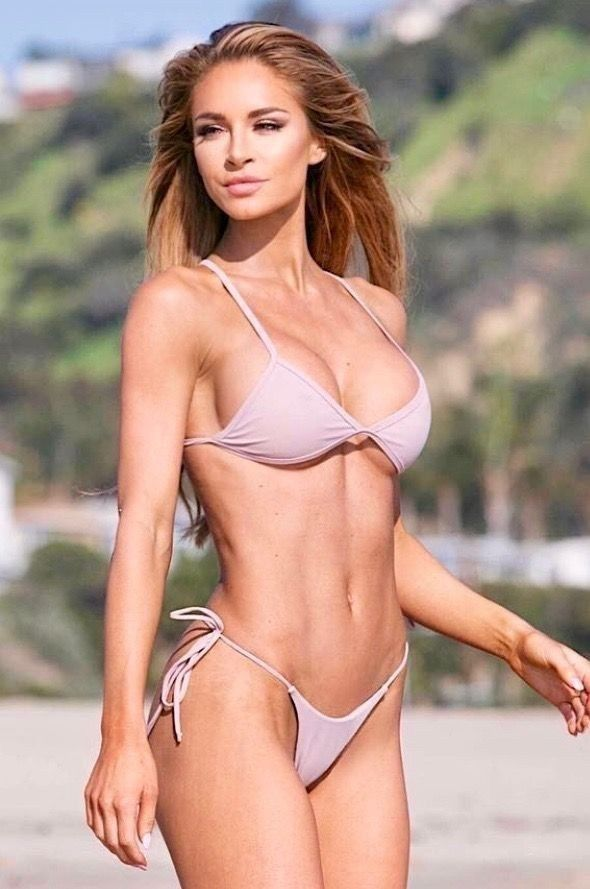 Heiße Nackt-Bikini-Modelle