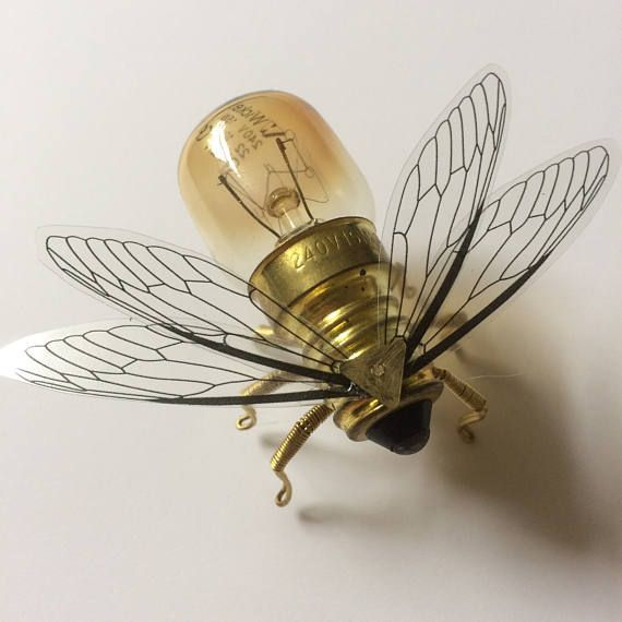 Steampunk brooch – Small Bee Lightbulb Brooch – Unique Steampunk Steam Punk Clockwork Jewelry   – Upcycling