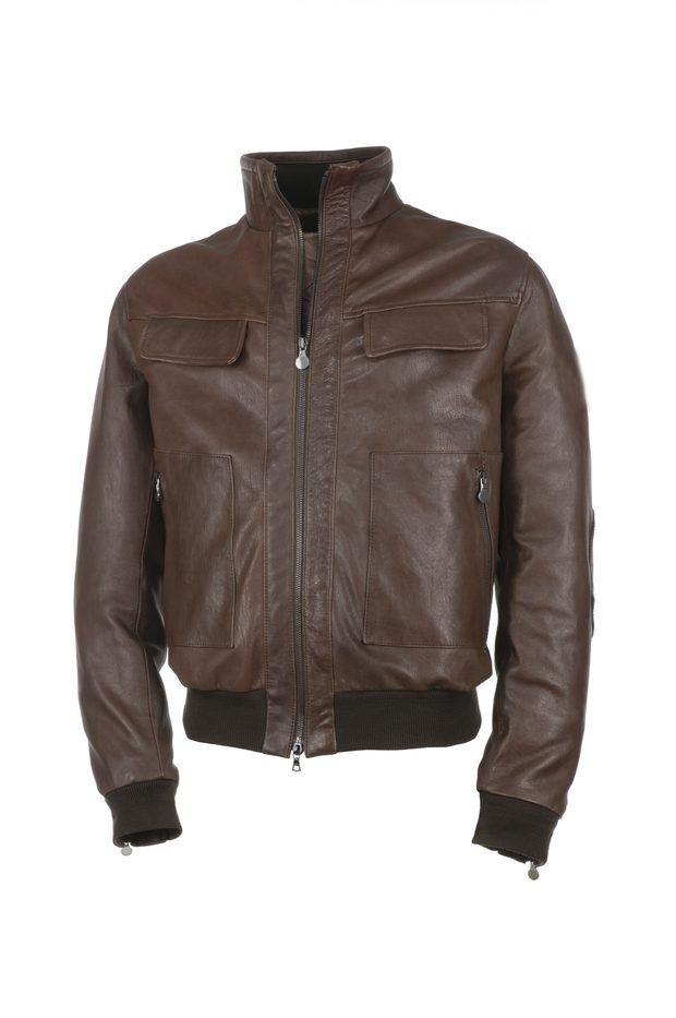Cómo restaurar una chaqueta de cuero agrietada