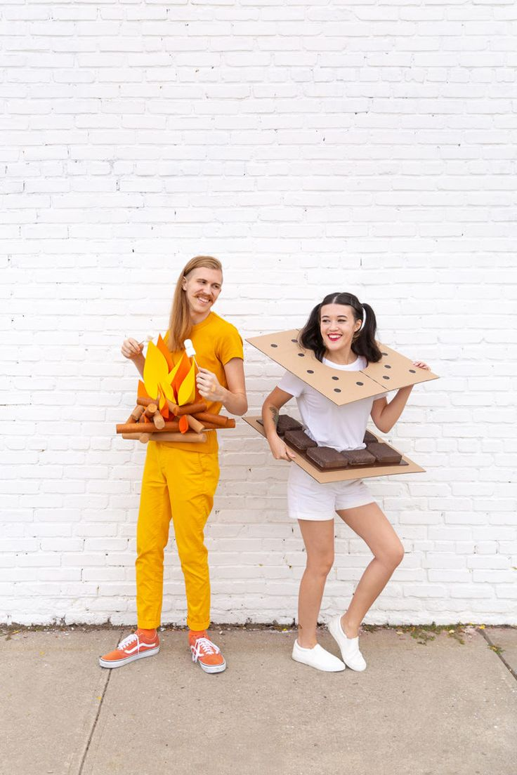 » DIY Campfire & S'mores Couples Costume in 2020 Diy