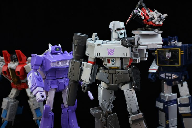 Transformers Masterpiece MP-36 Megatron with MP-11 Starscream (Coronation Ver.), MP-29 Laserwave, and MP-13 Soundwave and Condor (Laserbeak)