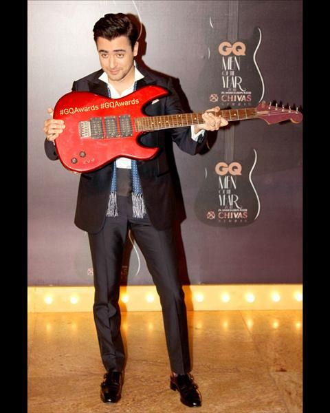 Another gentleman who looked very smooth suited up was actor Imran Khan at the GQ Men Of the Year awards.