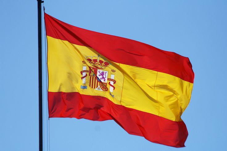 https://flic.kr/p/nWtjzf | Bandera de España | Bandera de España ondeando en lo alto de la fachada del Cuartel General del Ejército del Aire, en Madrid.  Flag of Spain Flag of Spain waving in the top of the facade of the General Headquarters of the Spanish Air Force, in Madrid.