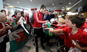 Wales football team touch down to heroes' welcome in Cardiff