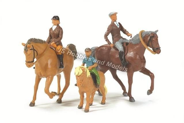 BRITAINS FARM Horses and Riders Set 1:32 Scale - (Britains 40956) #Britains