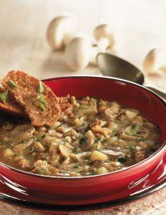 Zuppa densa di ceci e funghi