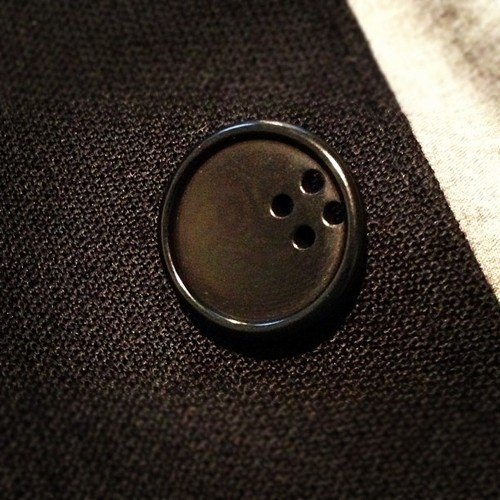 I have to do this Amazing button detail on our new #carolchristianpoell suit #ccp